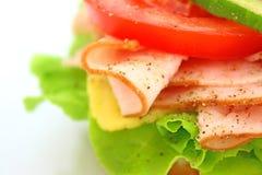 Frisches Sandwich mit Schinken und Käse und Gemüse Stockfotos