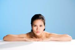 Frisches sauberes Gesicht der jungen Frau Lizenzfreie Stockfotografie