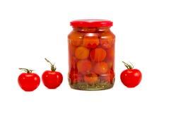 Frisches und eingemachtes Tomateglasglas Stockbild