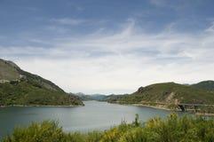 Frisches Wasserreservoir Stockfotos