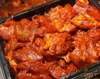 Frischfleisch mit Gewürzen Stockfotos
