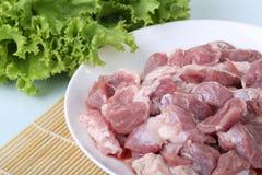 Frischfleisch und grünes Gemüse Stockfotos