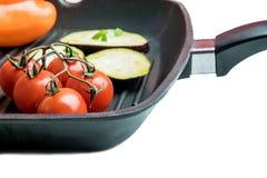 Frischgemüse auf einer Grillplatte stockfoto