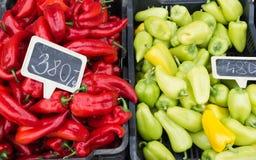 Frischgemüse auf Landwirtmarkt Stockfotografie
