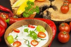 Frischgemüse für Snäcke mit dem Kleiden Bad für Gemüse Mahlzeit der gesunden Diät für Abendessen Lizenzfreie Stockbilder