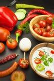 Frischgemüse für Snäcke mit dem Kleiden Bad für Gemüse Mahlzeit der gesunden Diät für Abendessen Lizenzfreies Stockfoto