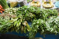 Frischgemüse für Verkauf im Straßenmarkt Lizenzfreies Stockfoto