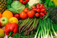 Frischgemüse und Früchte Lizenzfreie Stockfotos
