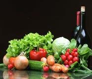 Frischgemüsefrüchte und andere Nahrungsmittel. Stockfotografie