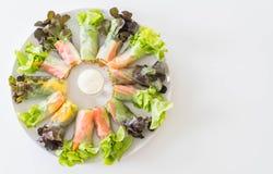 Frischgemüsenudel-Frühlingsrolle, Diätlebensmittel, sauberes Lebensmittel, Salat stockbild