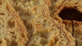 Friselle des trockenen Brotes stock video footage
