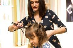 Friseur schier Mädchen Stockfoto