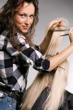 Friseur und Klient lizenzfreie stockfotos