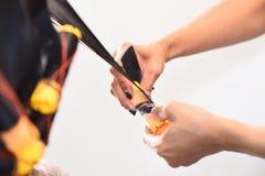Friseur - Windenhaare des Friseurs Lizenzfreies Stockbild