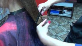 Friseurschnitt-Haarkunde stock footage