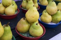 Friskhet för marknad för päronfruktmat Royaltyfri Foto