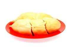 FriskhetDurianfleshs i röd maträtt på vit Royaltyfri Bild