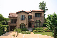 fristående villa Royaltyfria Bilder