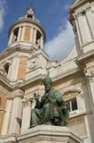Fristad av den Loreto statyn av popen 3 Arkivfoton