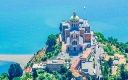 Fristad av Tindari Madonna Sicilien Arkivfoton
