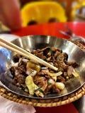 Fritada da agitação da carne na cidade de China, Singapura Fotos de Stock Royalty Free