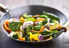 Fritada da agitação do frigideira chinesa do vegetariano fotografia de stock royalty free