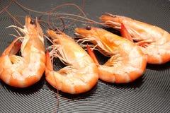 Fritando camarões Fotografia de Stock