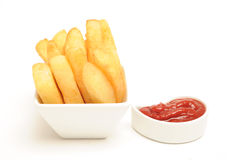 Frites et sauce volumineuses Photos stock