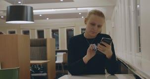 Fritid med den smarta telefonen lager videofilmer