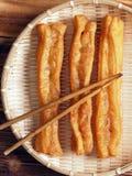 Fritos asiáticos da massa de pão Fotografia de Stock