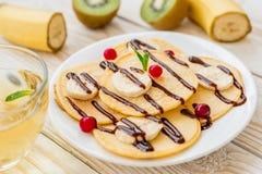 Fritos com frutos frescos e bagas Fotografia de Stock