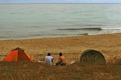 Fritt campa på stranden fotografering för bildbyråer