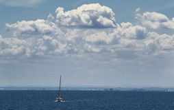 Fritt fartyg in i havet Arkivfoto