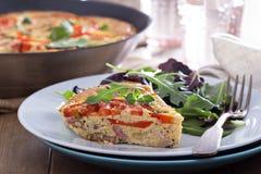 Frittata с овощами и ветчиной Стоковая Фотография RF