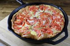 Frittata do abobrinha, do tomate & do queijo parmesão fotografia de stock