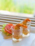 Frittelle del gamberetto con salsa Immagine Stock
