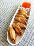 Frittierte Hühnerflügel Stockfotos