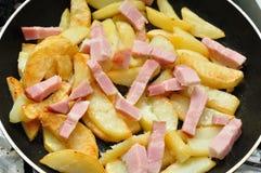 Frittura delle patate fritte Immagine Stock Libera da Diritti