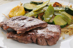 Frittura di Stir con bistecca Immagini Stock Libere da Diritti