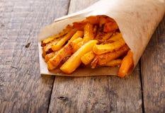 Fritture al forno della zucca torta con sale marino Chip della zucca fotografie stock