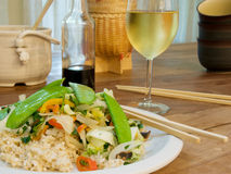Friture végétale de Stir avec du riz brun Photos libres de droits