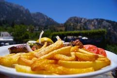 Fritures avec de la viande dans les montagnes photo libre de droits