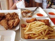 fritures frites françaises de poulet Images stock