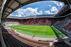 Fritz-Gualterio-Stadion hogar a los 2 Club 1 de Bundesliga FC Kaiserslautern y está situado en la ciudad de Kaiserslautern, el Ri fotos de archivo libres de regalías