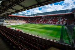 Fritz-Walteren-Stadion returnera till 2na Bundesliga klubba 1 FC Kaiserslautern och lokaliseras i staden av Kaiserslautern, Rhen Arkivbilder