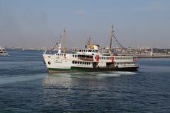 Färja i Istanbul Arkivfoton