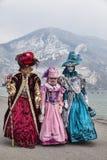 Förklätt folk i Annecy Royaltyfri Fotografi