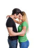 Förälskade unga par, skjuten studio Royaltyfri Foto