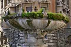 Free Frog Fountain In Rome Stock Image - 110617261