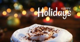 Frohe Feiertage Text, Weihnachtsdekorationen und Kaffeetasse 4k stock video